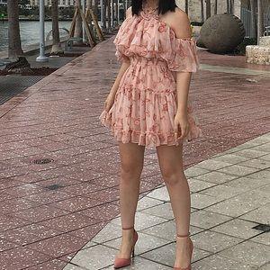 Dresses & Skirts - Peach Floral dress